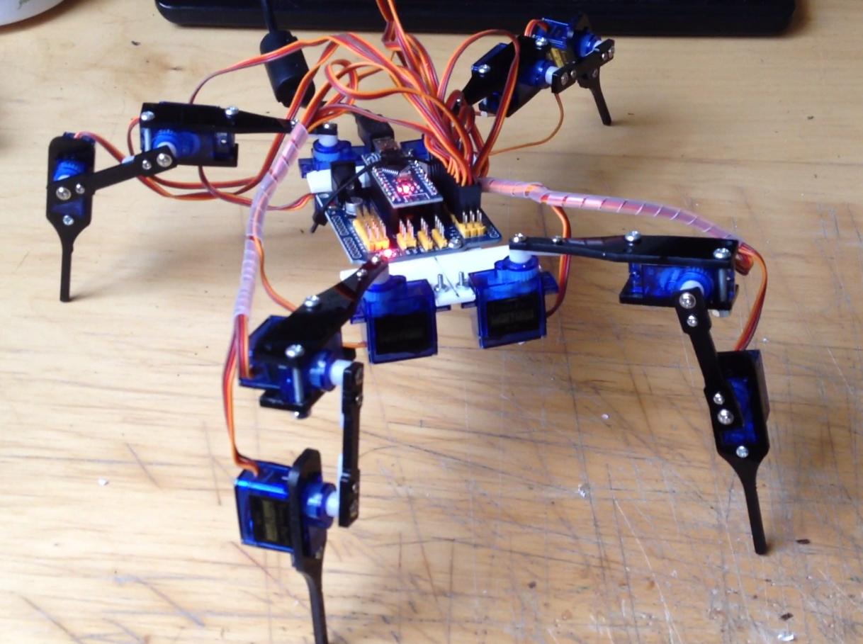 Robotický pavouk Quadruped, quadrobot, quadropot, část 2.